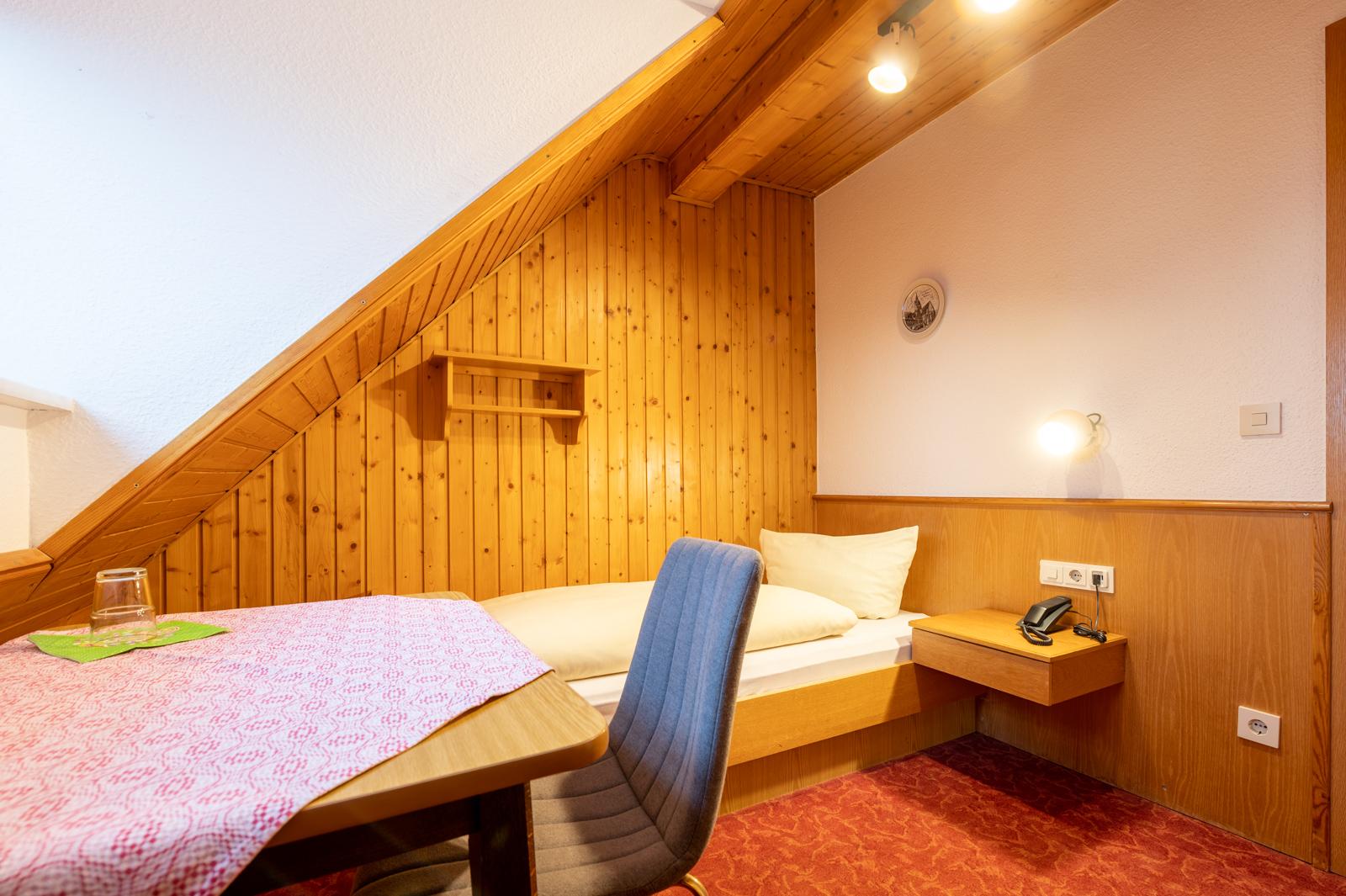 Einzelzimmer Standard